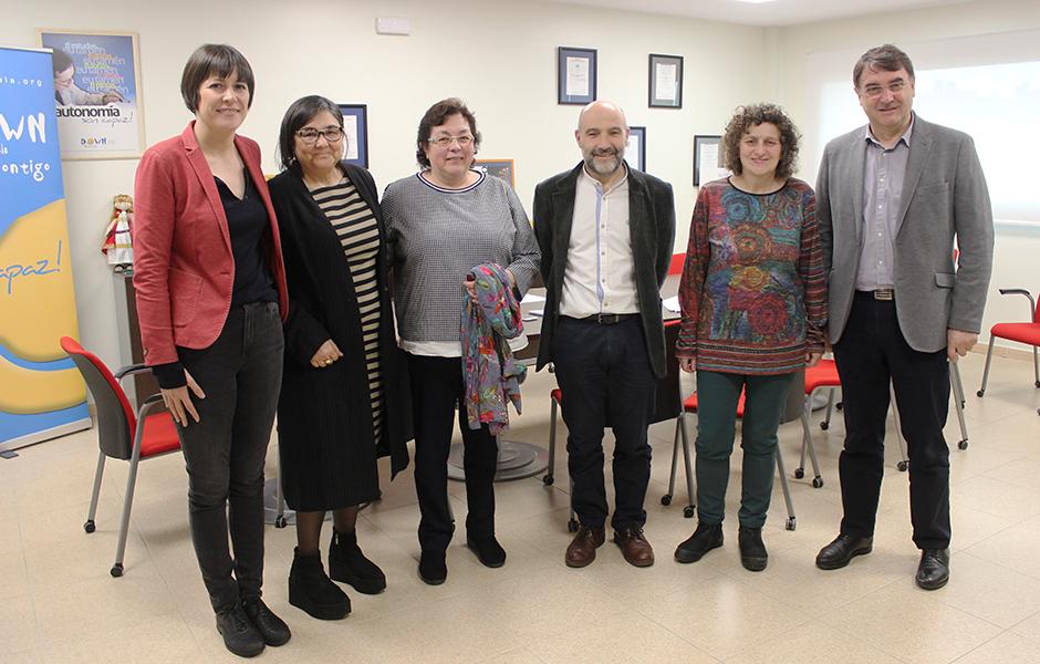 Ana Pontón exige a la Junta Electoral Central que rectifique y asegura en Down Compostela que el BNG no acatará la instrucción sobre el voto de las personas con discapacidad