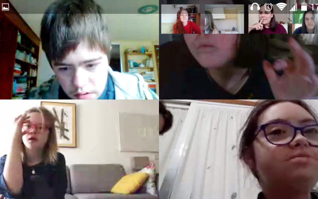 Down Compostela organiza videoconferencias para contactar con las familias y promover actividades entre las personas con discapacidad